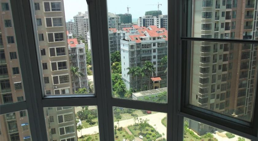 Three-Bedroom Apartment Home of Coconut Haikou Yintong Garden