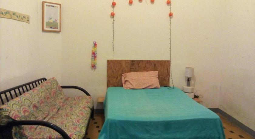 Double Room (1 Adult + 1 Child) Casa Independencia