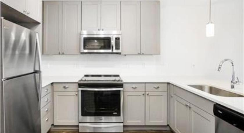Luxury 2BR in Highlands Square Near Downtown- HS07