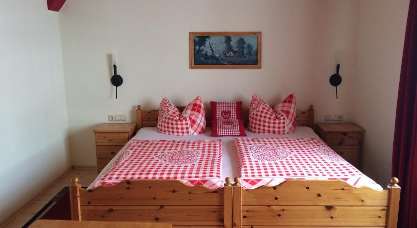 Standard Single Room Pension Zum Bauernstübl