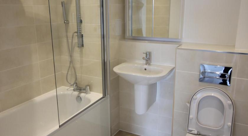 Bathroom Luxury Limehouse Marina 2 Bed 2 Terrace Apartment