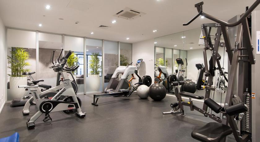 Fitness center City Views - Auckland Holiday Apartment