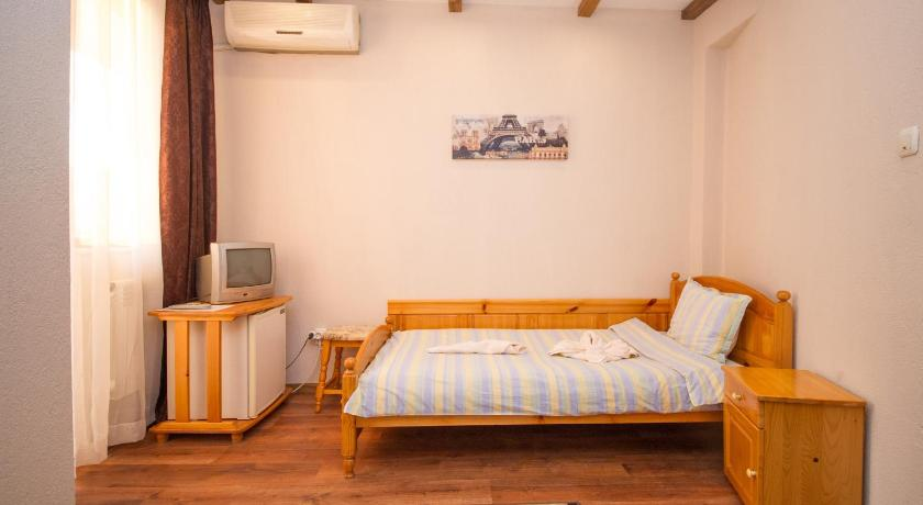 Twin Room with Balcony Guest House Amore