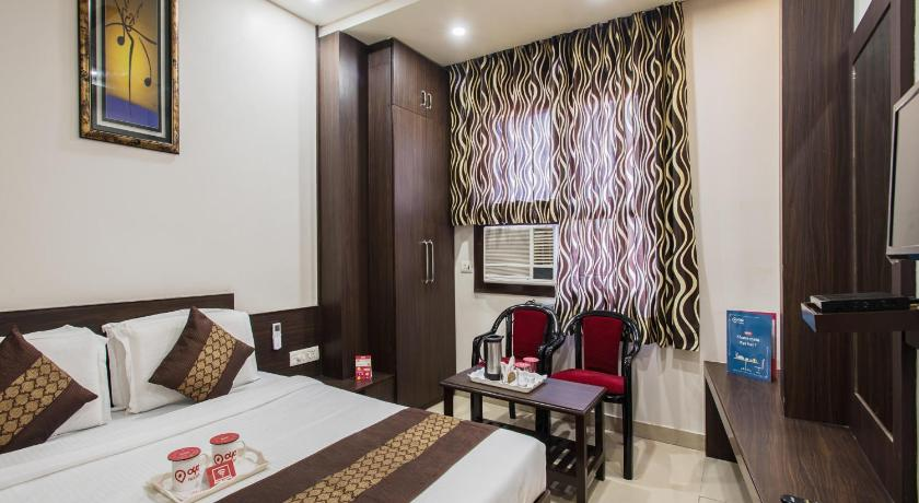 Oyo 2931 Hotel Abhinandan Inn Formerly Oyo Rooms Sindhi Camp Metro