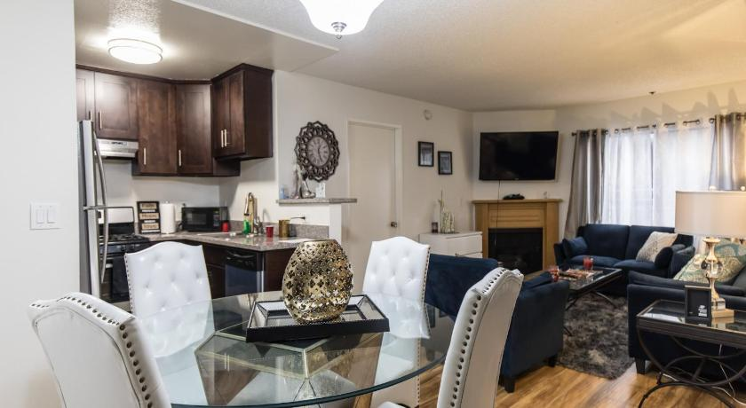 Luxury 2bed 2bath & Gated Parking
