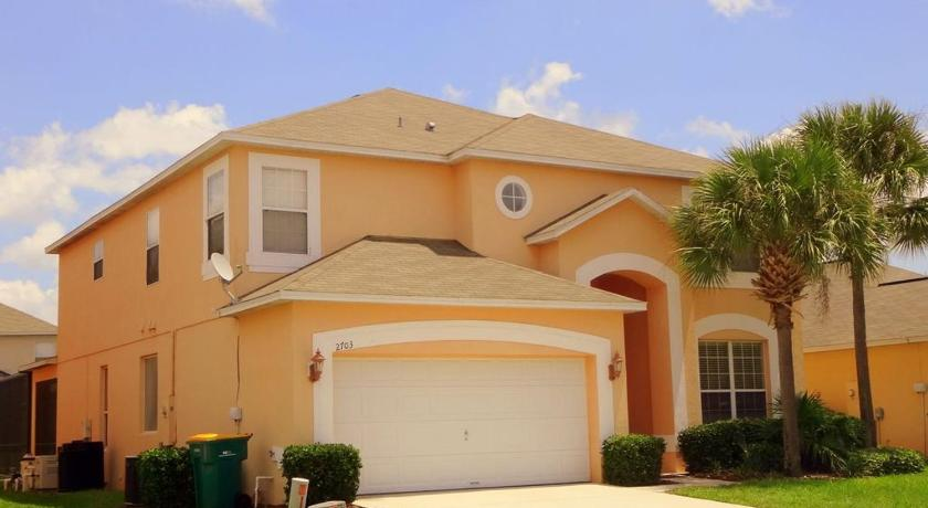 Lovely 8 BR Pool/Spa Villa Laundry Game room Free Internet 3 mi to Disney