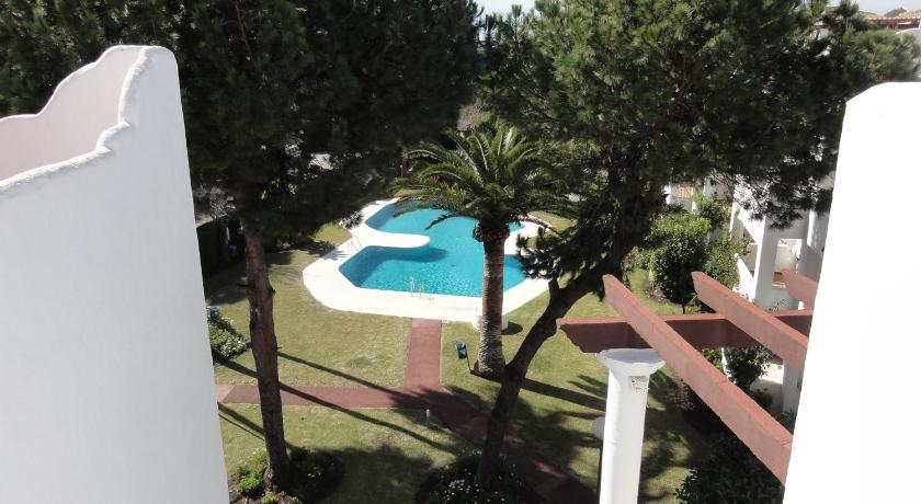 Swimming pool Sun Beach 3 bed apartment