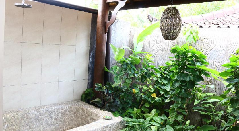 best price on lovina beach houses in bali   reviews