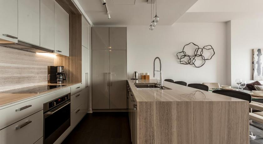 Two-Bedroom on Avenue des Canadiens-de-Montréal Apt 4804 by Sonder