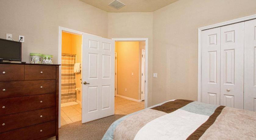 Four-Bedroom House - Facilities 4506 Alberto Circle - Four Bedroom Home