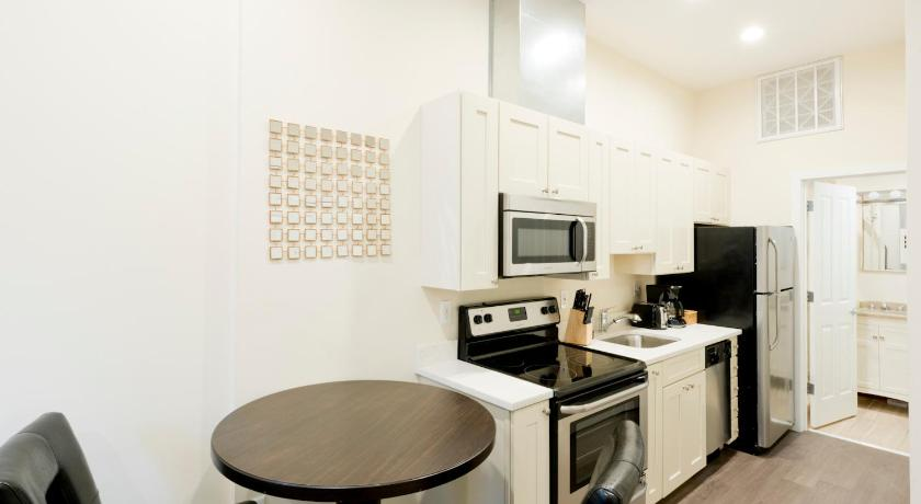 One-Bedroom on Arch Street Apt 5D