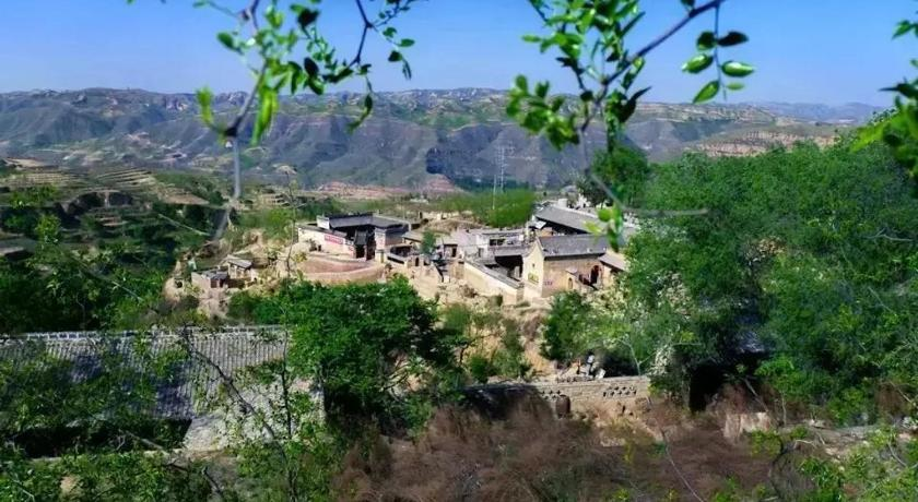 Δείτε 27 φωτογραφίες Qikou Lijia Mountain West Rich House