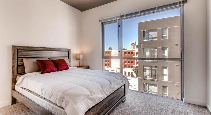 Two-Bedroom Apartment - Guestroom Huge 2 Bedroom in Center of Gaslamp District