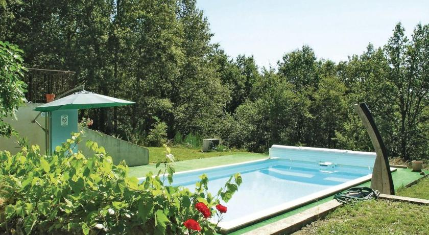 Плувен басейн Holiday home Peyrignac 86 with Outdoor Swimmingpool