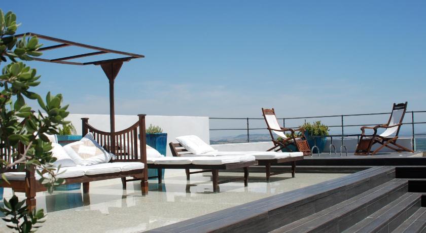 hoteles con encanto en cádiz  339