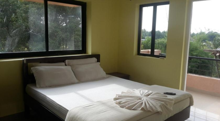 Standard Double Room - Guestroom Vista Rooms at Calangute Circle