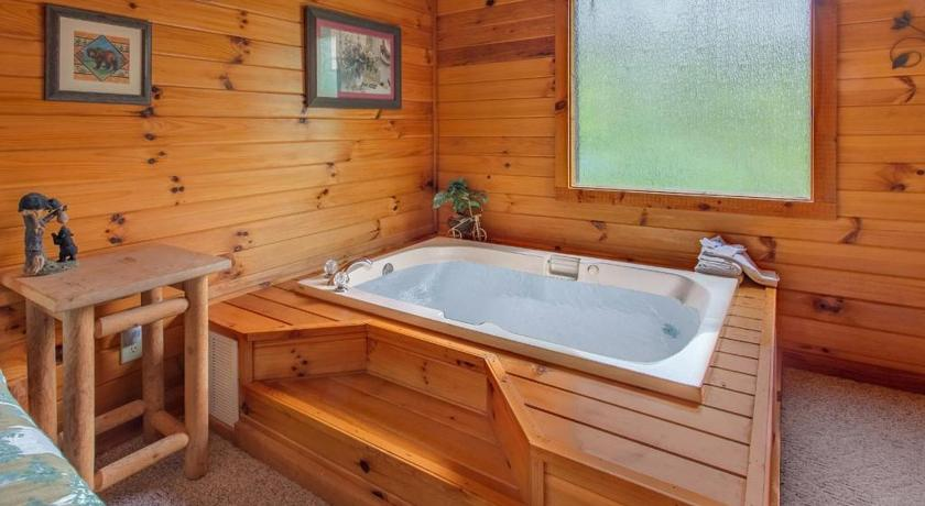 Bagno Honey Pot- Three-Bedroom Cabin