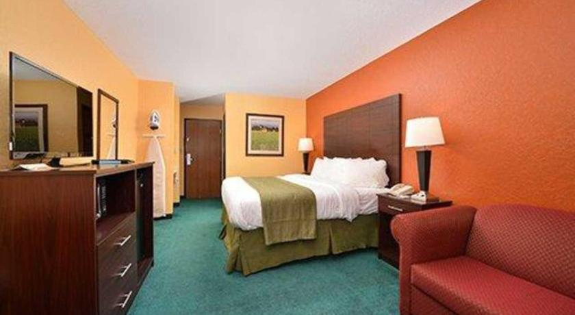 Quality Inn & Suites Grinnell - Grinnell, IA 50112