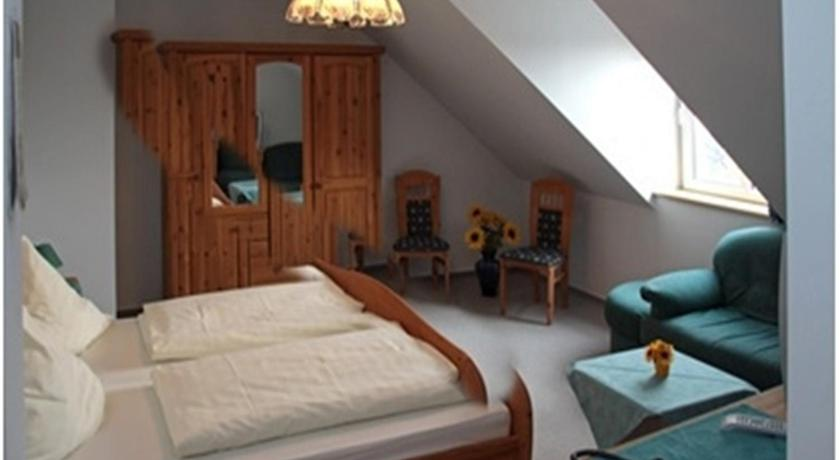 Double Room Pension & Gasthaus Kahren