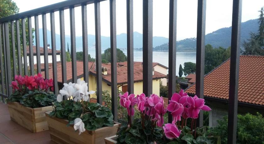 Best Price on La Terrazza sul Lago in Sarnico + Reviews