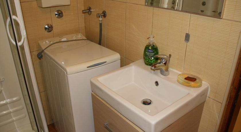 Apartament cu 1 dormitor - Baie Hrasno Apartment Free Parking
