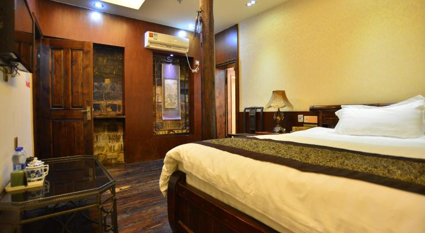 غرفة كوين Huangshan Hongcun Ten Rooms Inn