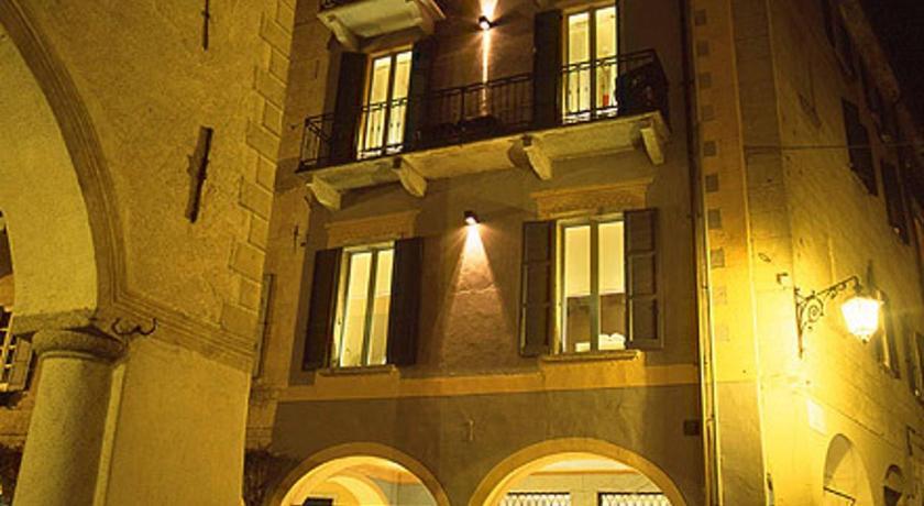 Hotel Aracoeli Piazza Motta, 34 Orta San Giulio