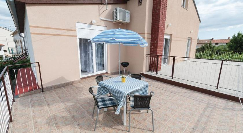 Balcony/terrace Apartment and Holiday home Dubravka