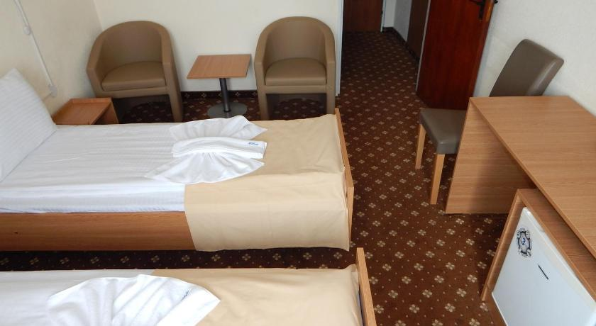 Twin Room - Medical Treatments from Monday to Friday - غرفة الضيوف Hotel Padis