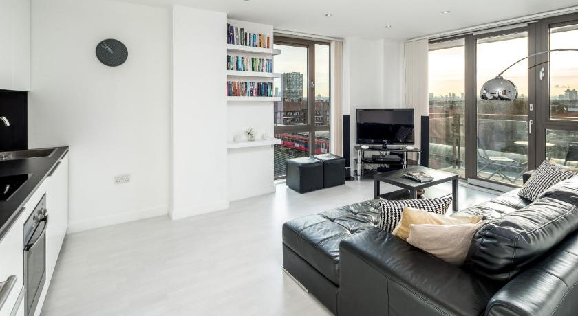 Modern and Luxurious 2BD Flat