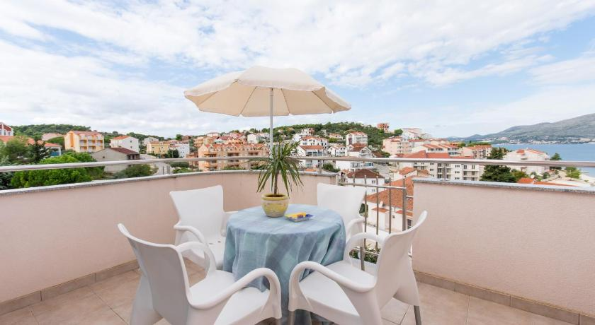 Balcony/terrace Apartments Lero