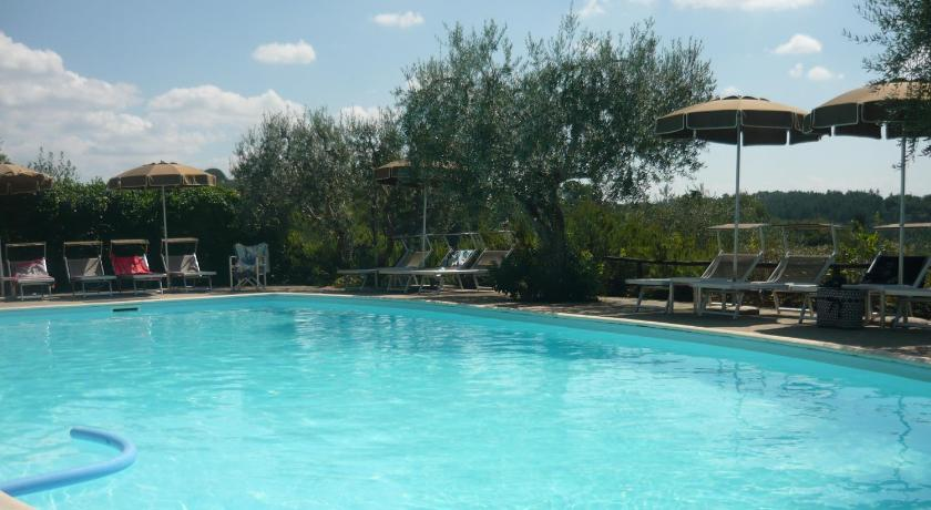 Swimming pool Casale Oliveta
