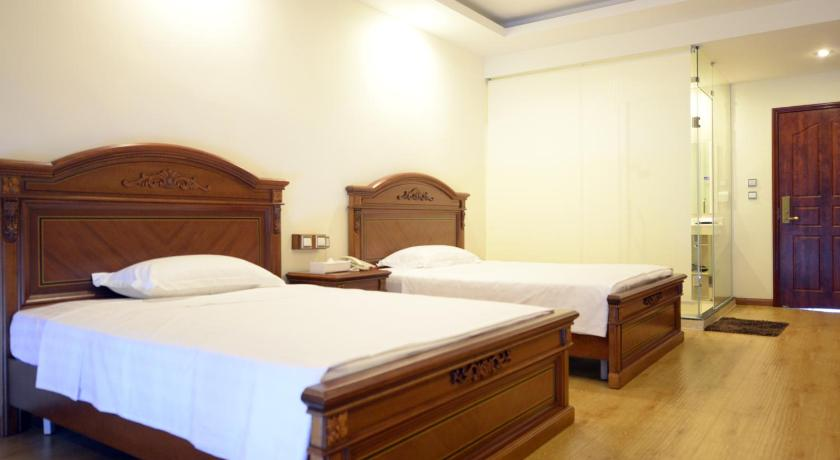 Standard Twin Room with Sea View - Guestroom Victoria Beach Hotel