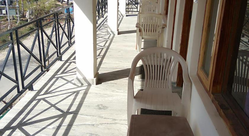 Recreational facilities Hilltop Homestay With Balcony