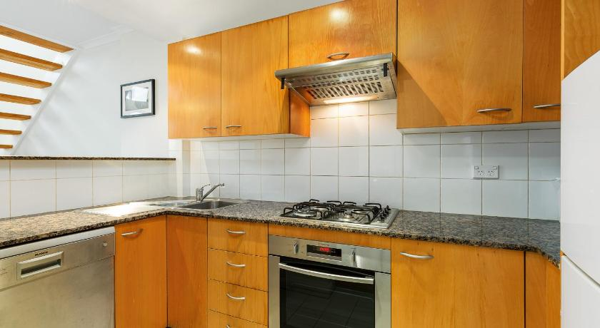 See all 24 photos DARLINGHURST SELF CONTAINED 1 BED APARTMENT (603POP)