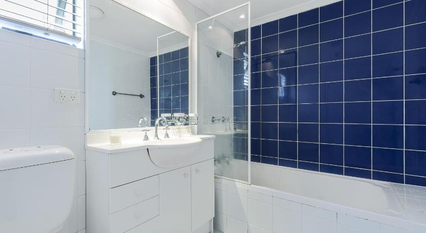 One-Bedroom Apartment - Bathroom DARLINGHURST SELF CONTAINED 1 BED APARTMENT (603POP)