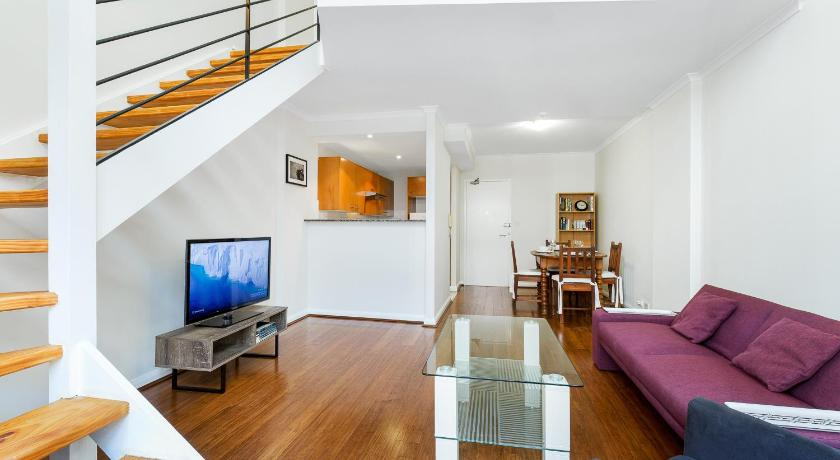 DARLINGHURST SELF CONTAINED 1 BED APARTMENT (603POP)