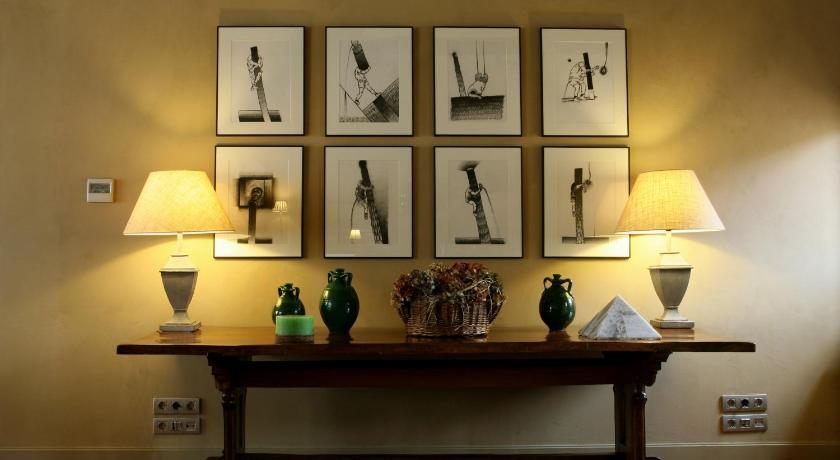 hoteles con encanto en cardona  31