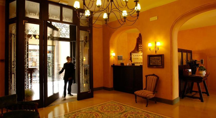 hoteles con encanto en cardona  3