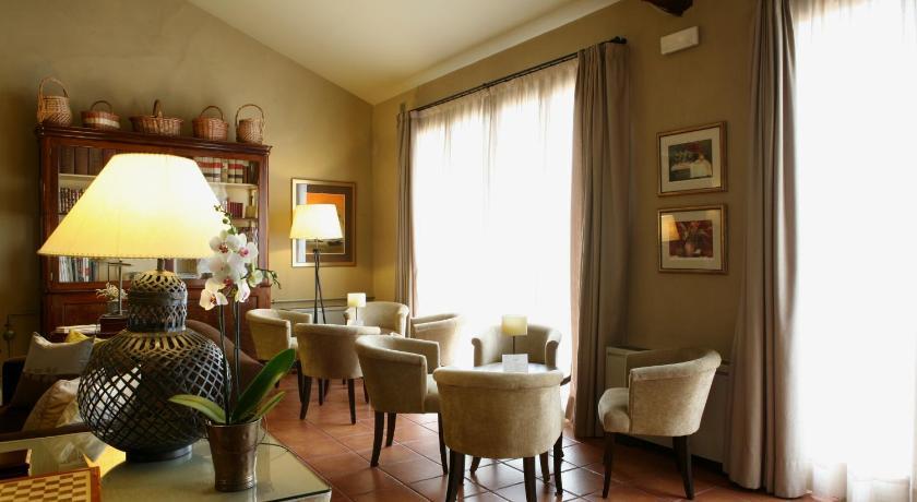 hoteles con encanto en cardona  16