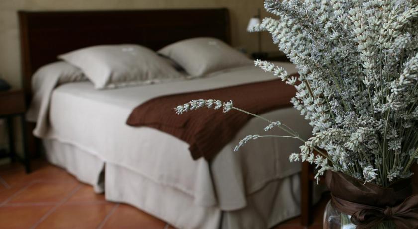 hoteles con encanto en cardona  23