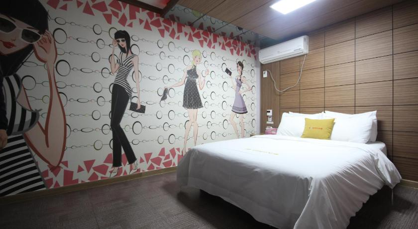 Standard Double Room Antives Motel