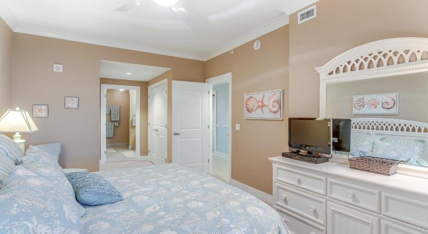 Three-Bedroom Apartment - Guestroom Gateway Grand 1403