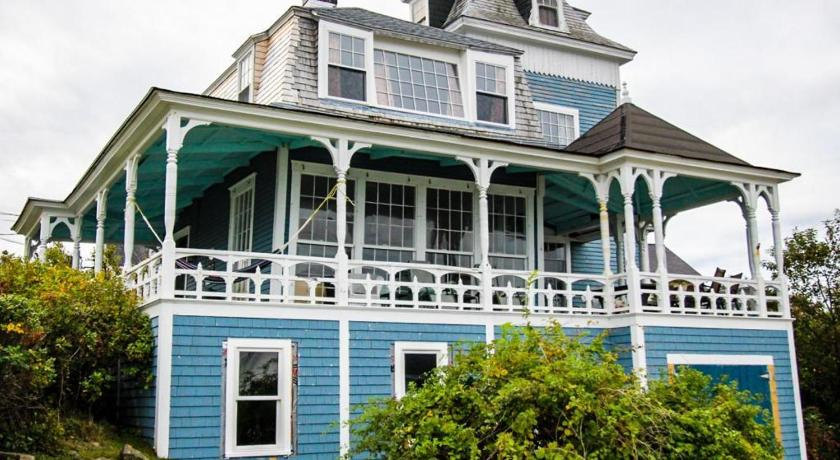 Historical York Ocean View Retreat