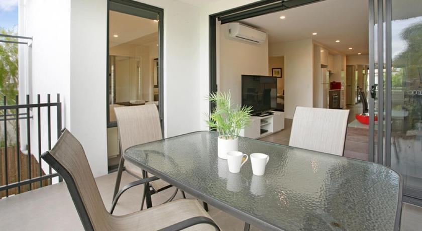 Balcony/terrace H1B 3BR Bulimba - Uptown Apartments