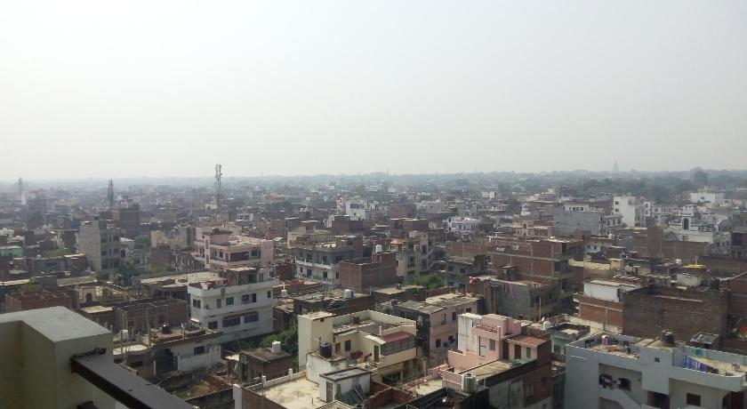 Balcony/terrace 3 BHK Ganges View Apartment