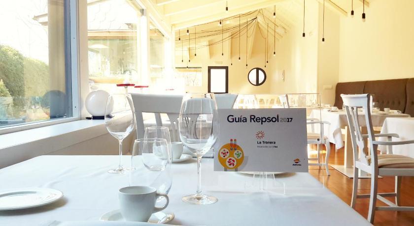 Restaurante - Hotel La Tronera 15