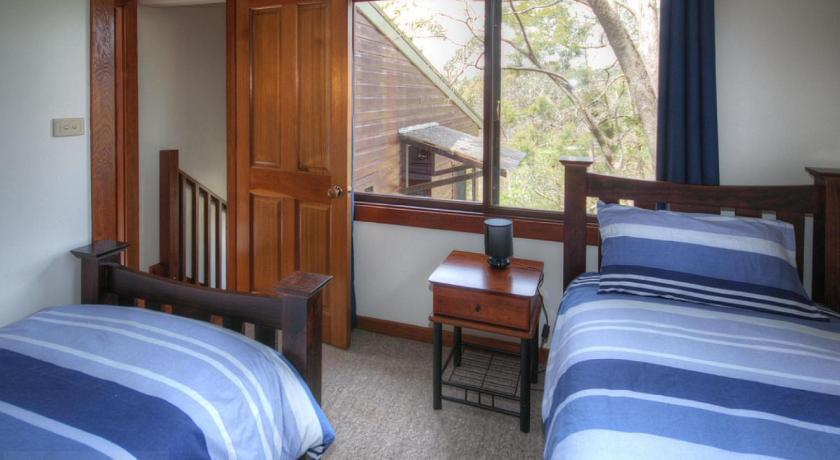 Three-Bedroom House - Guestroom Glendell Cottage