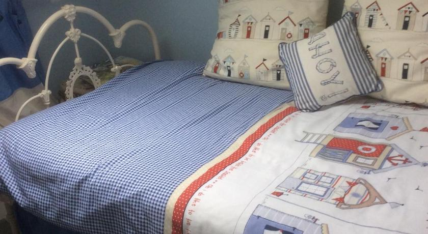 Double or Twin Room - Bed Emms Cottage