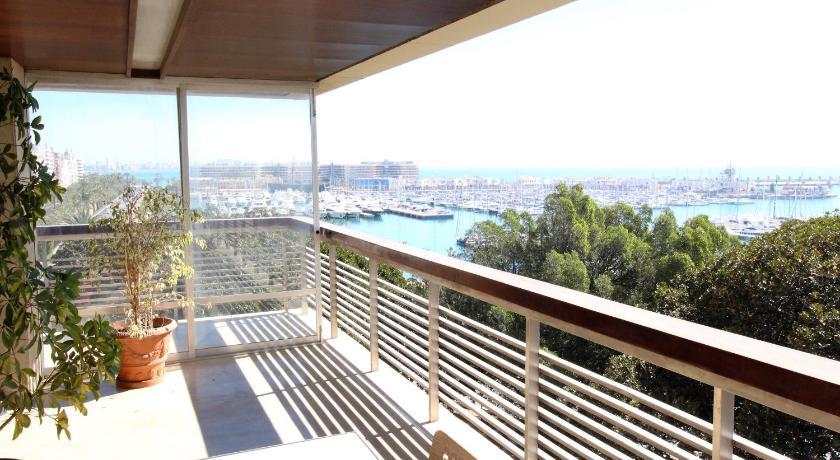 ... Torre Alicante Apartments Avenida Doctor Gadea, ...